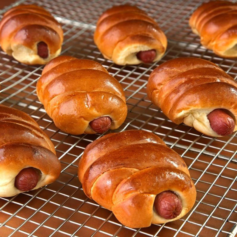 Sausage Rolls Crop