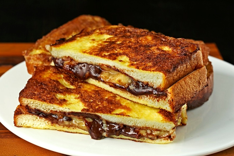 Chocolate Banana French Toasts