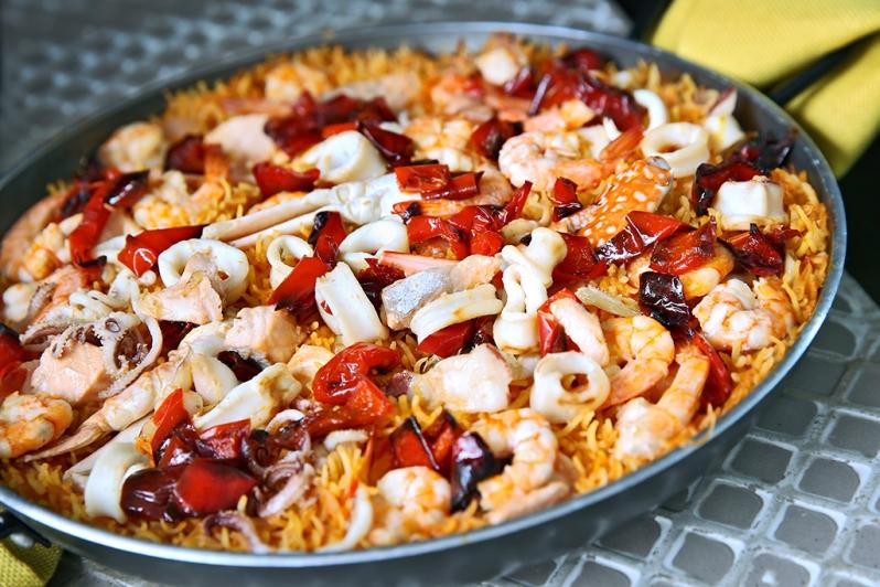 Paella Style Seafood Briyani