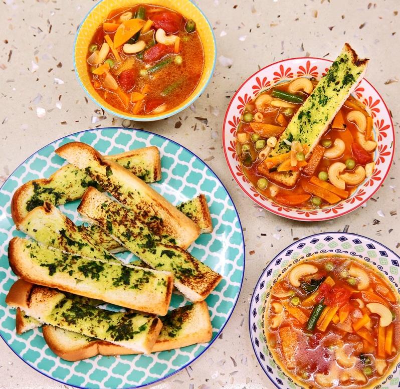 macaroni-soup-with-basil-croutons