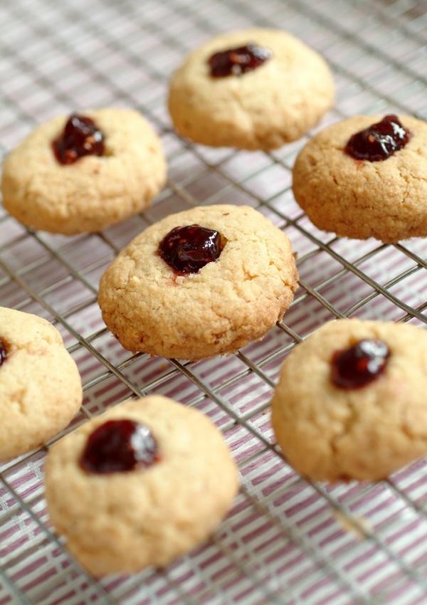 strawberry-jam-cookies