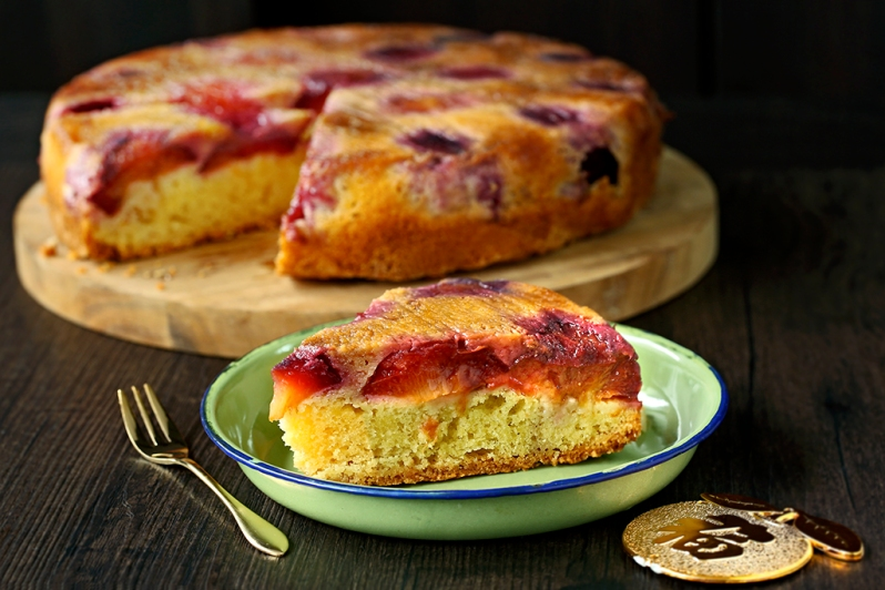 plum-upside-down-cake